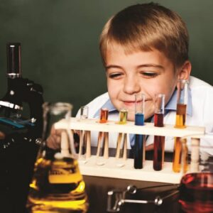 fen eğitiminde deney araç gereçlerinin kullanımı görseli