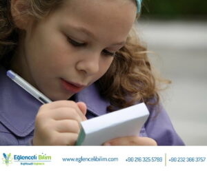 uygulamalı bilim eğitiminin çocuklara katkısı görseli